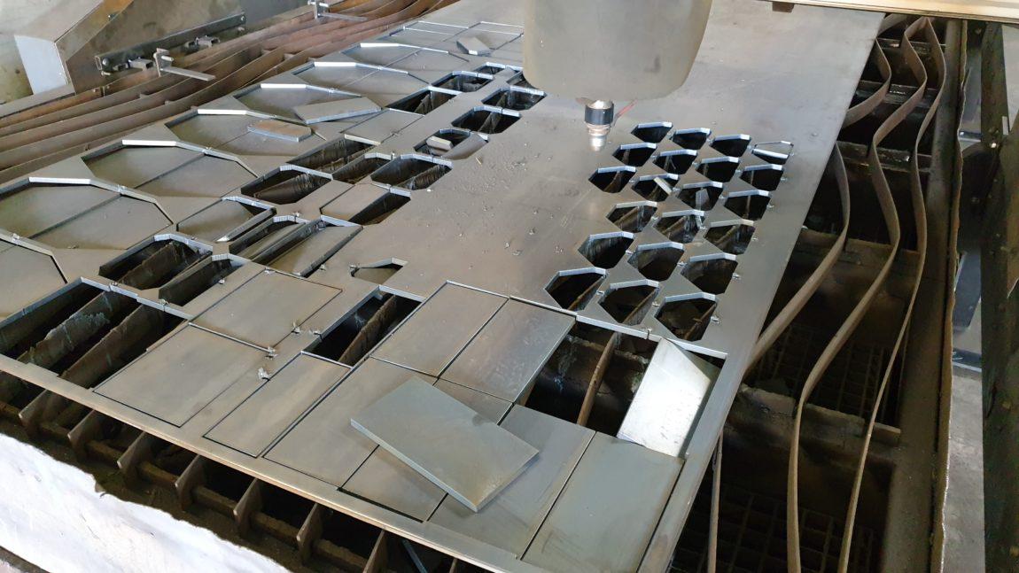 Cięcie blach na ploterze plazmowym CNC