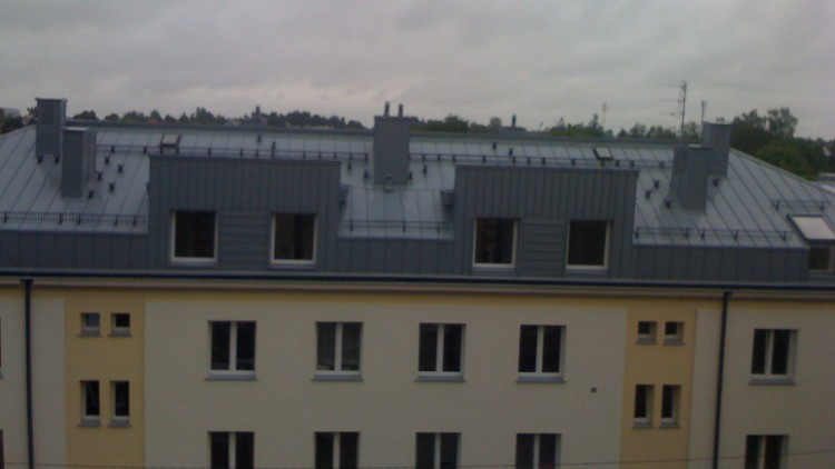 Produkcja oraz montaż konstrukcji stalowej dachów w blokach przy ul. Kawaleryjskiej w Białymstoku