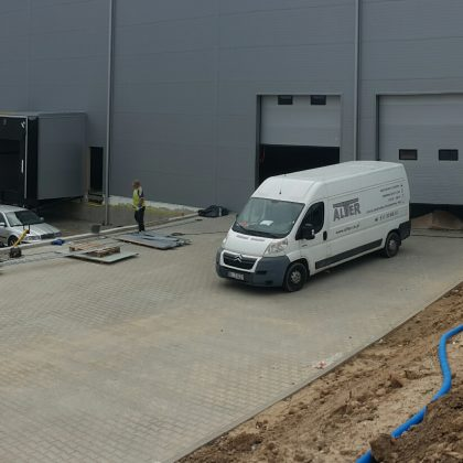 Production halls, warehouses and tents